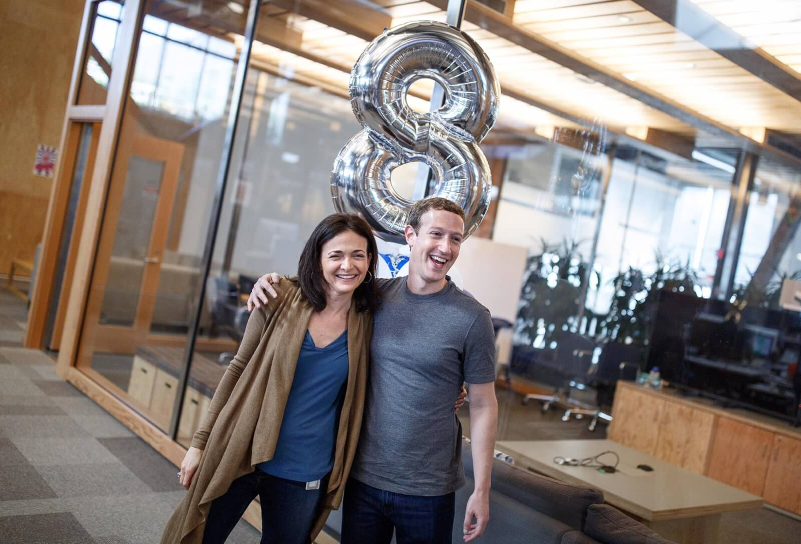 sheryl-sandberg-facebook-coo-celebrating-her-8-year-faceversary